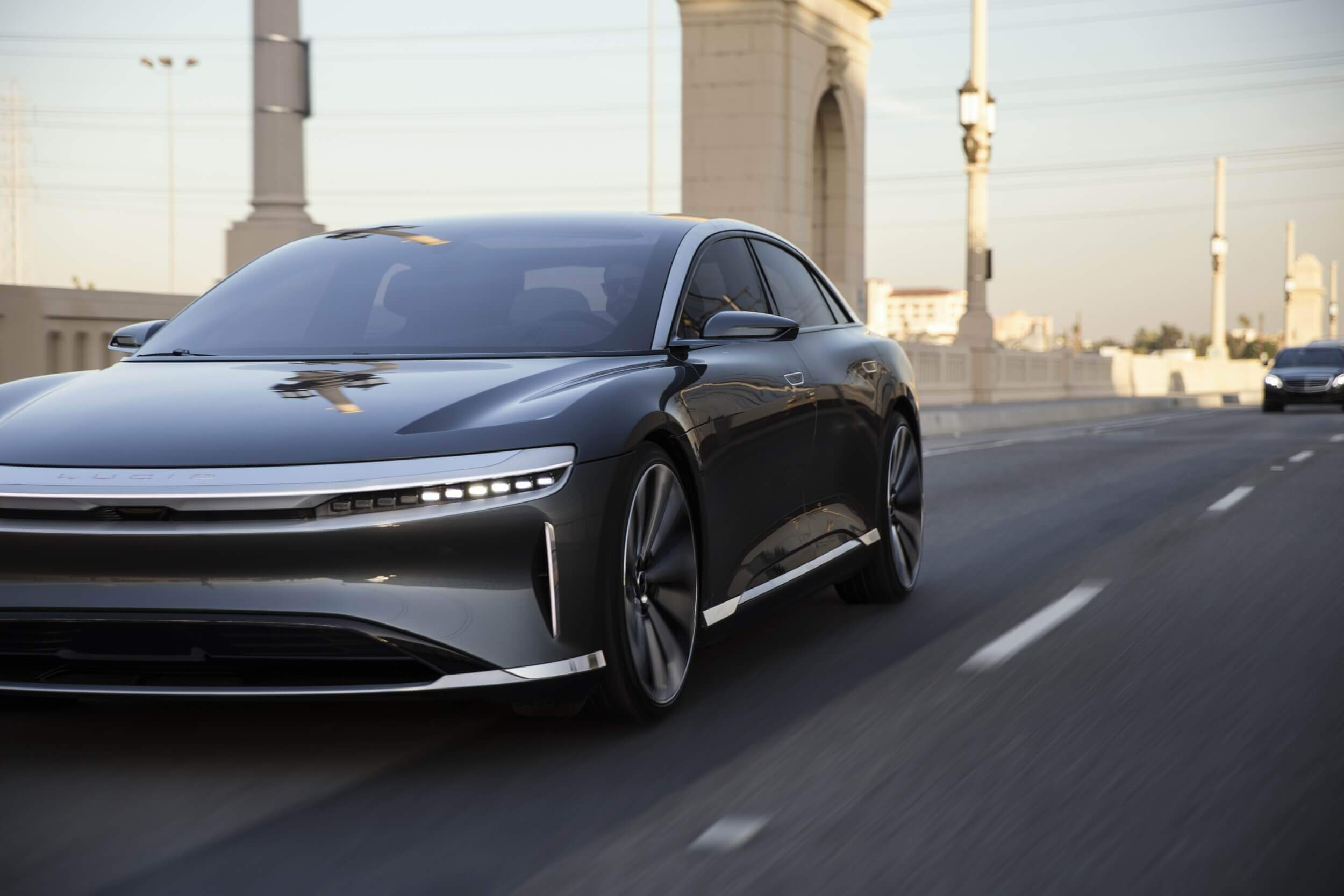 Lucid Motors says its all-electric Air sedan will have a range of 517 miles