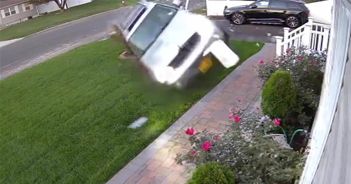 Watch: Video shows SUV crashing into home after mother drives intoxicated with kids in car