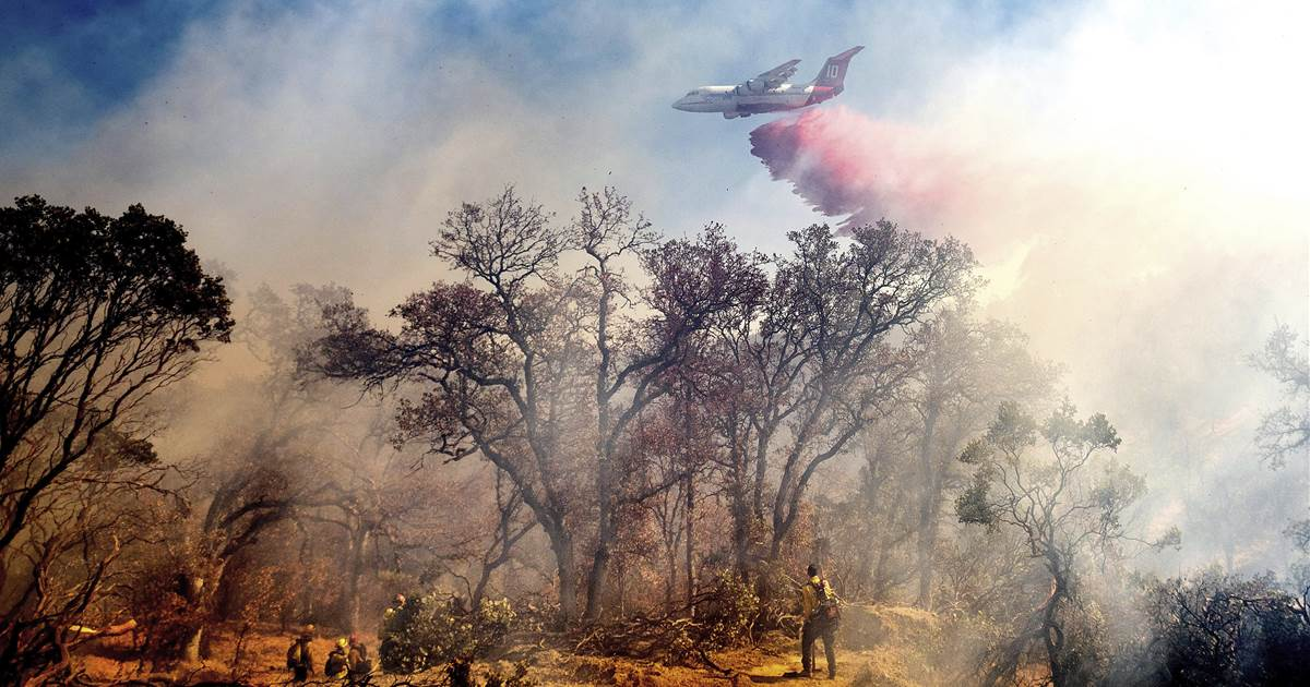 Hundreds of thousands lose power as Northern California braces for more wildfires