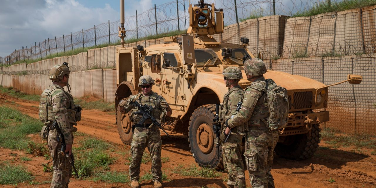 U.S. Considers Moving Forces Out of Somalia