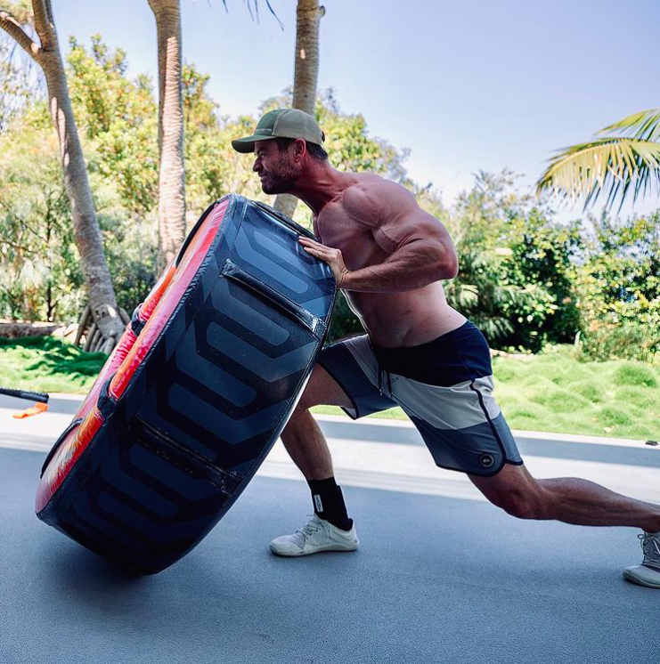 Chris Hemsworth Is Officially Hulk Hogan Levels of Jacked in New Photo