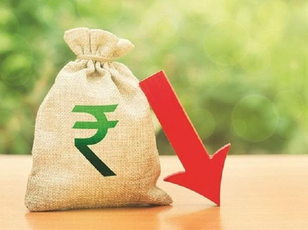 Rupee slips 6 paise to 73.90 against US dollar in early trade