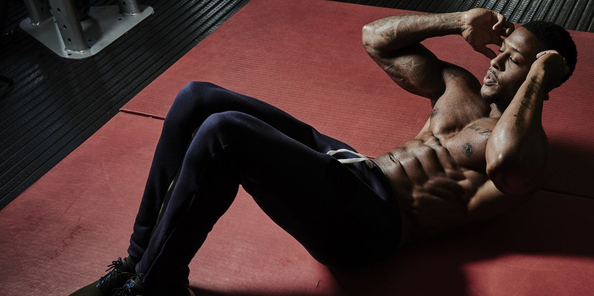 A Top Trainer Shares the 6 Abs Exercises He Avoids in His Workouts