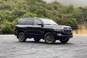 Toyota to discontinue legendary Land Cruiser in US after 2021