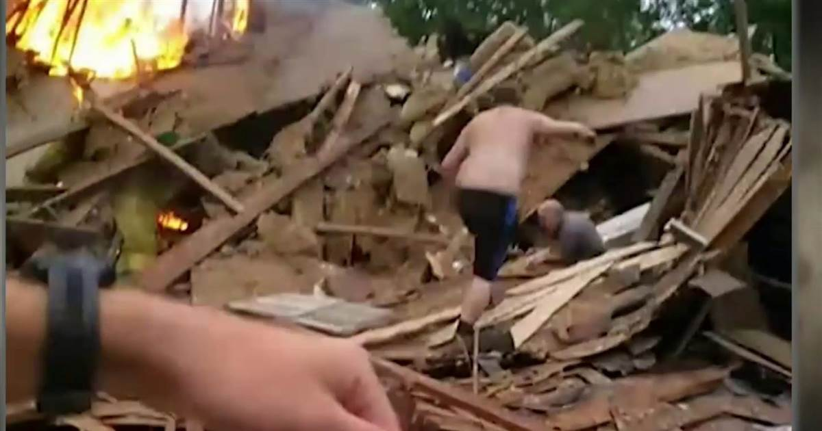Video shows frantic rescue after Indiana house explosion