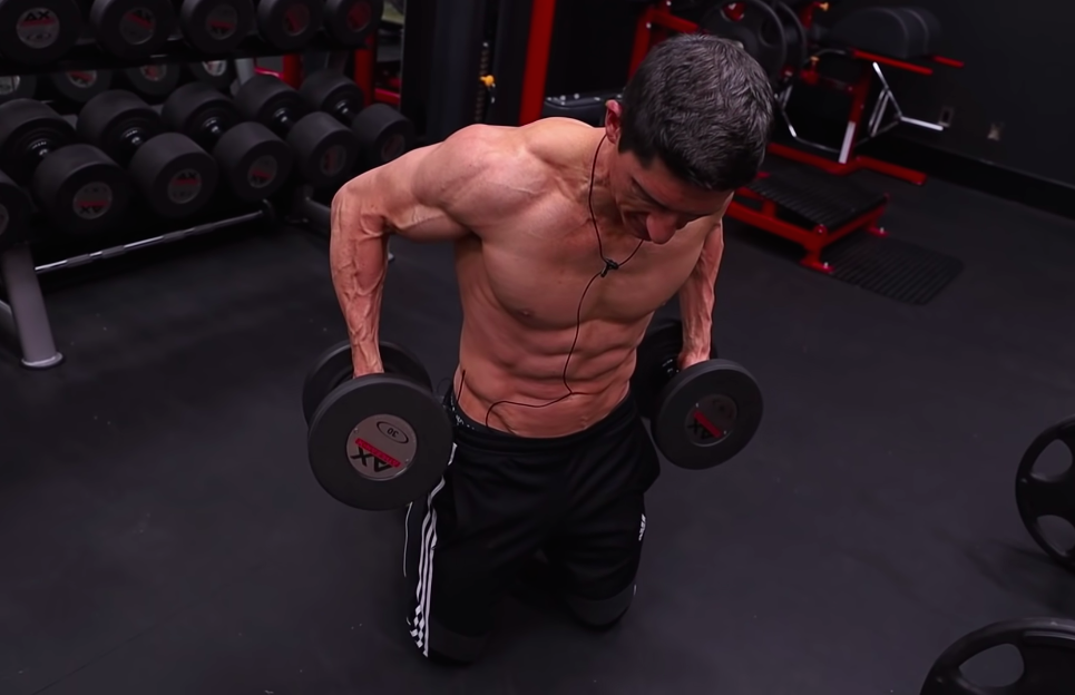 A Top Trainer Shares a Simple Move That Can Help You Grow Bigger Shoulders