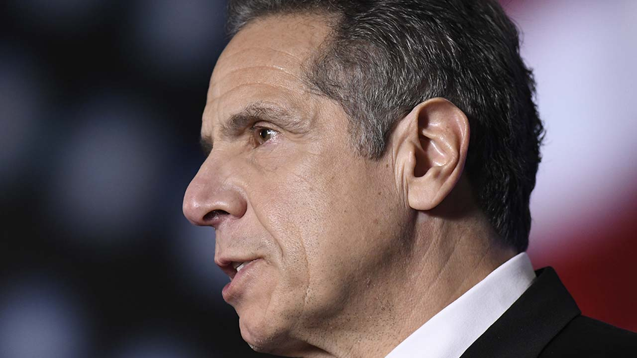 Cuomo can't 'shift the blame' on nursing home deaths: Former Trump official