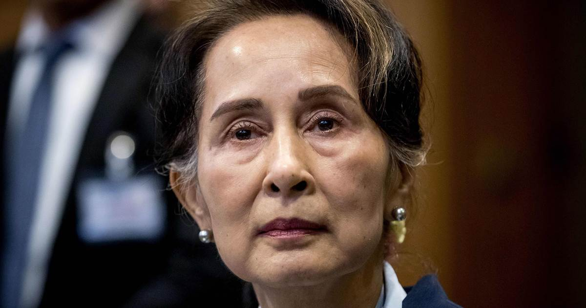Myanmar leader detained in late-night raid, ruling party says