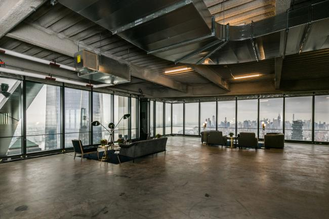 Manhattan Office Supply Hits Record High With Skyscrapers Empty