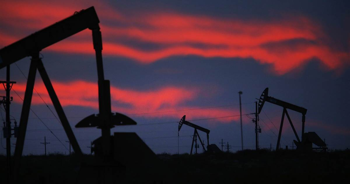 U.S. oil and gas production could face weeks of delays due to cold