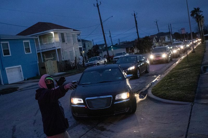 Texas storm may cost insurers record first-quarter losses