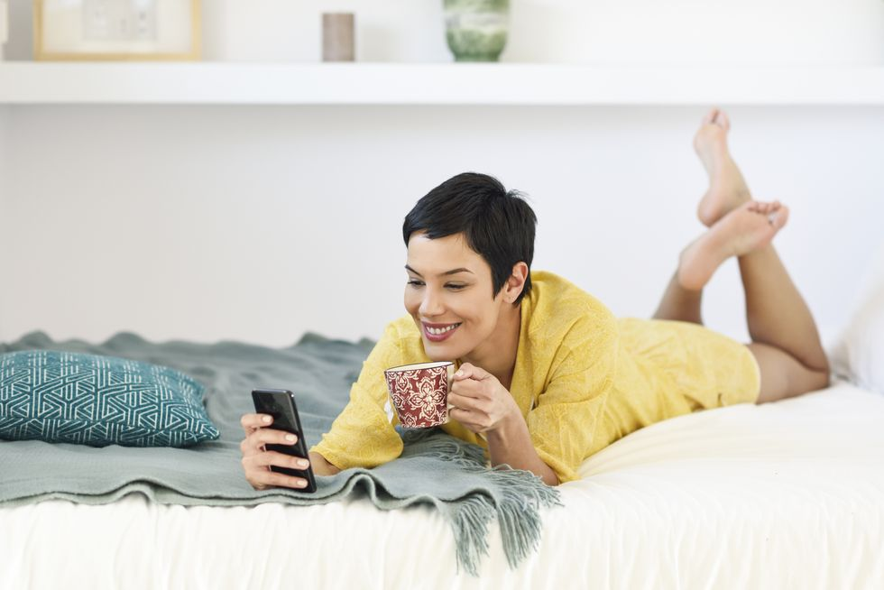 50+ Funny, Flirty 'Good Morning' Texts She'll Actually Want to Receive