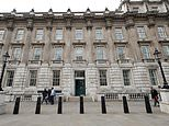 Cabinet Office will open secondary HQ in Glasgow with at least 500 officials set to move from London