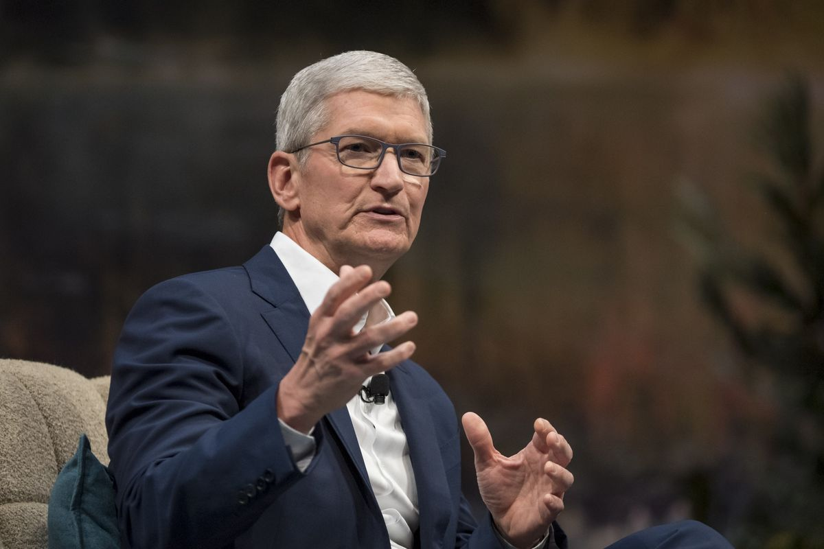 Apple's Cook, Other Senior Leaders to Testify in Fortnite Trial