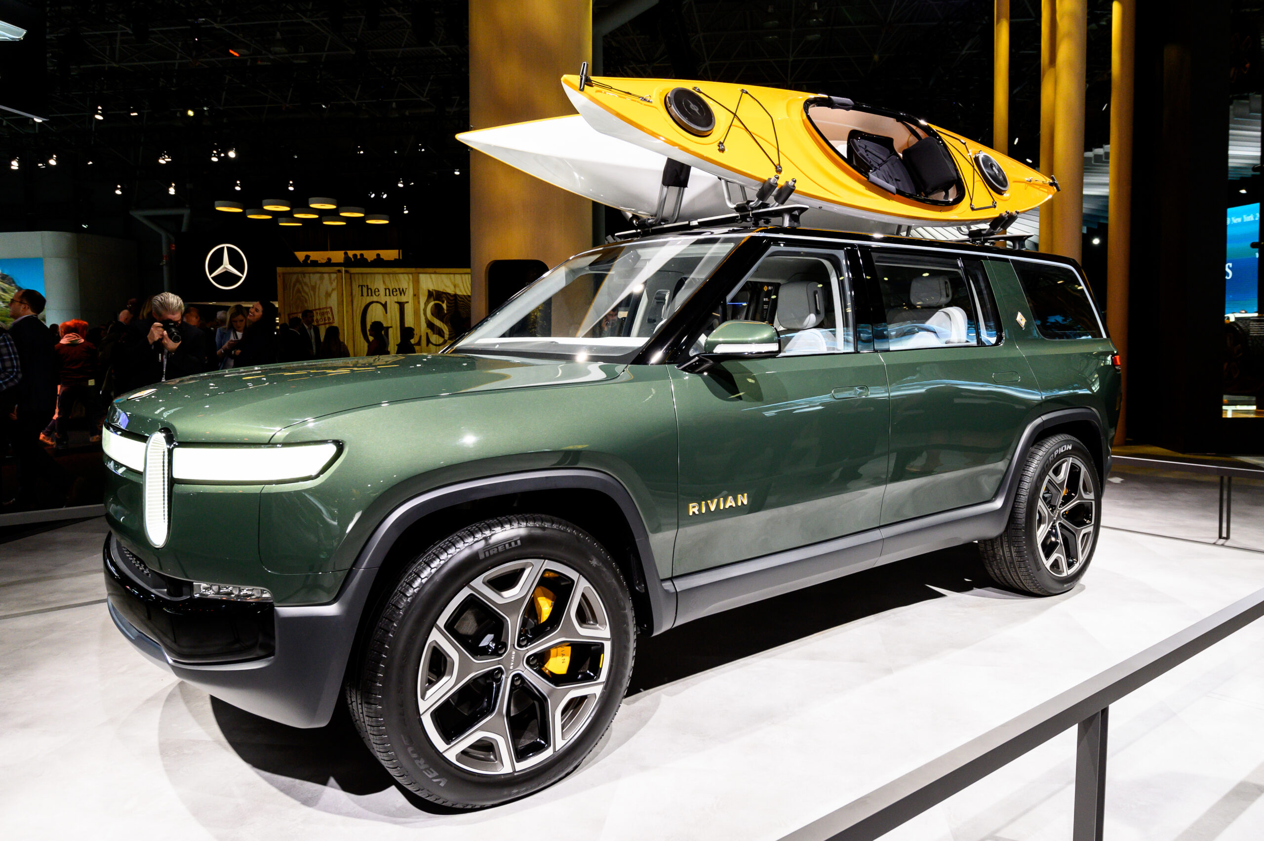 Rivian plans a network of 10,000 EV chargers in North America by 2023