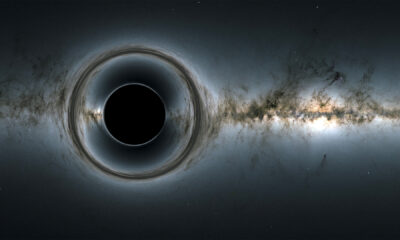 Can we solve the black hole information paradox with 'photon spheres'?