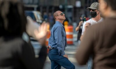 The Butt Workout That Keeps Christopher Meloni in 'Zaddy' Shape at 60