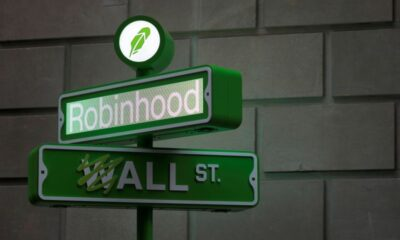 Robinhood shares dive 27.6%; filing sparks worries early investors could sell