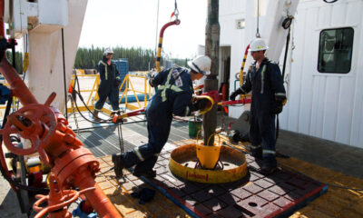Oil Poised for Weekly Surge With Focus Turning to Fed Stimulus By Bloomberg